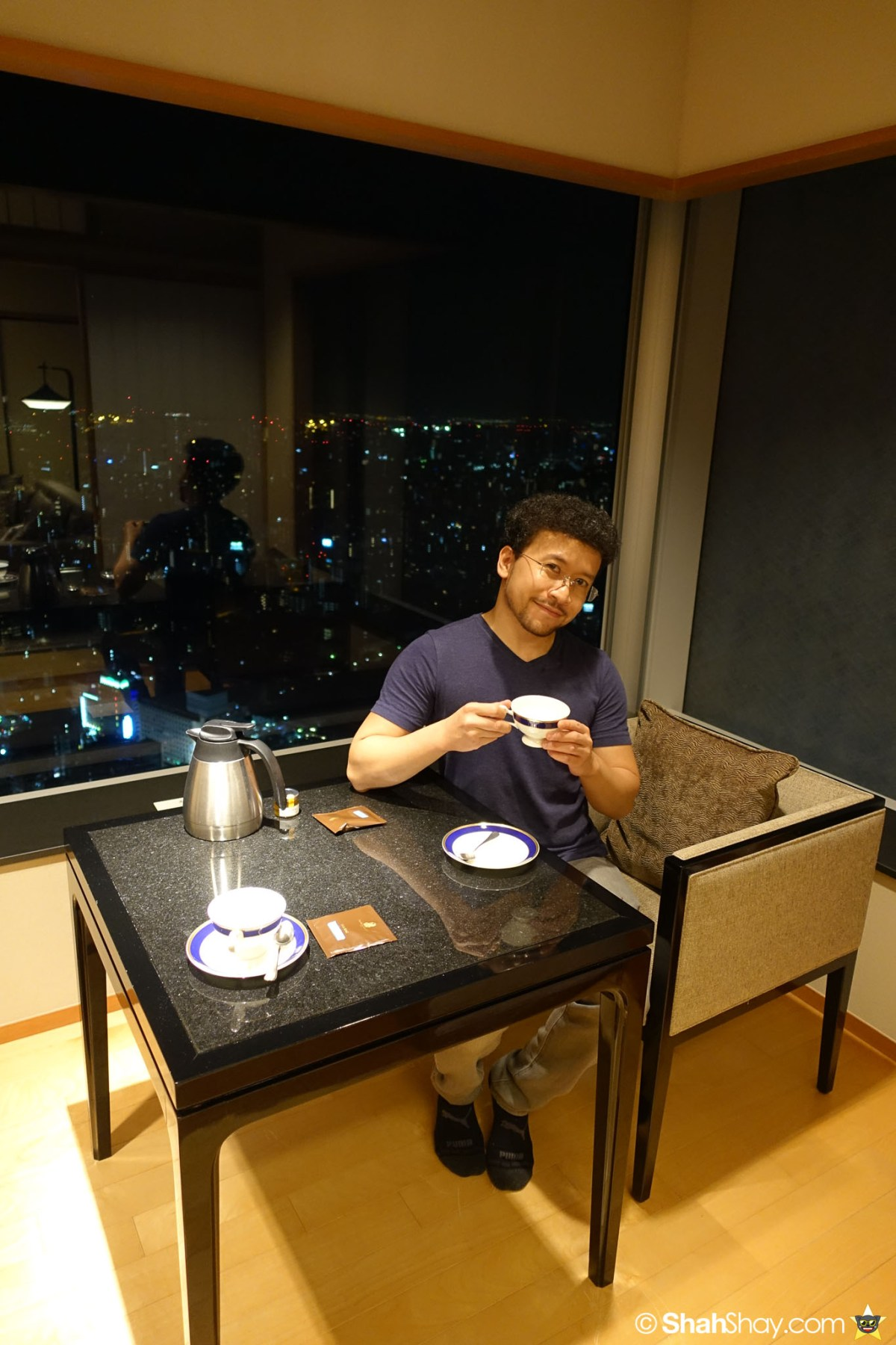 The Ritz-Carlton Tokyo Rooms - Modern Japanese Suite - Tea Time