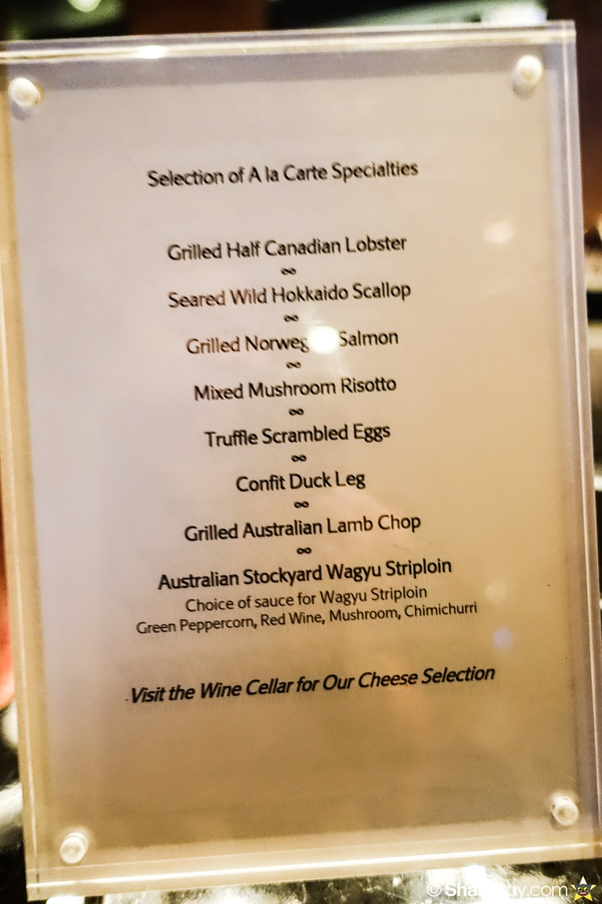 Sunday Brunch Bangkok - Fabulous Brunch Buffet Spread at The District - Ala Carte menu