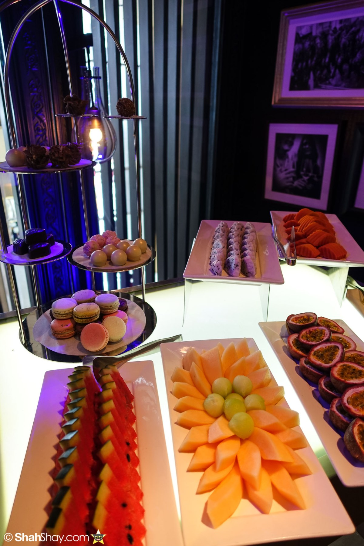 Sunday Brunch Bangkok - Fabulous Brunch Buffet Spread at The District - Fruits
