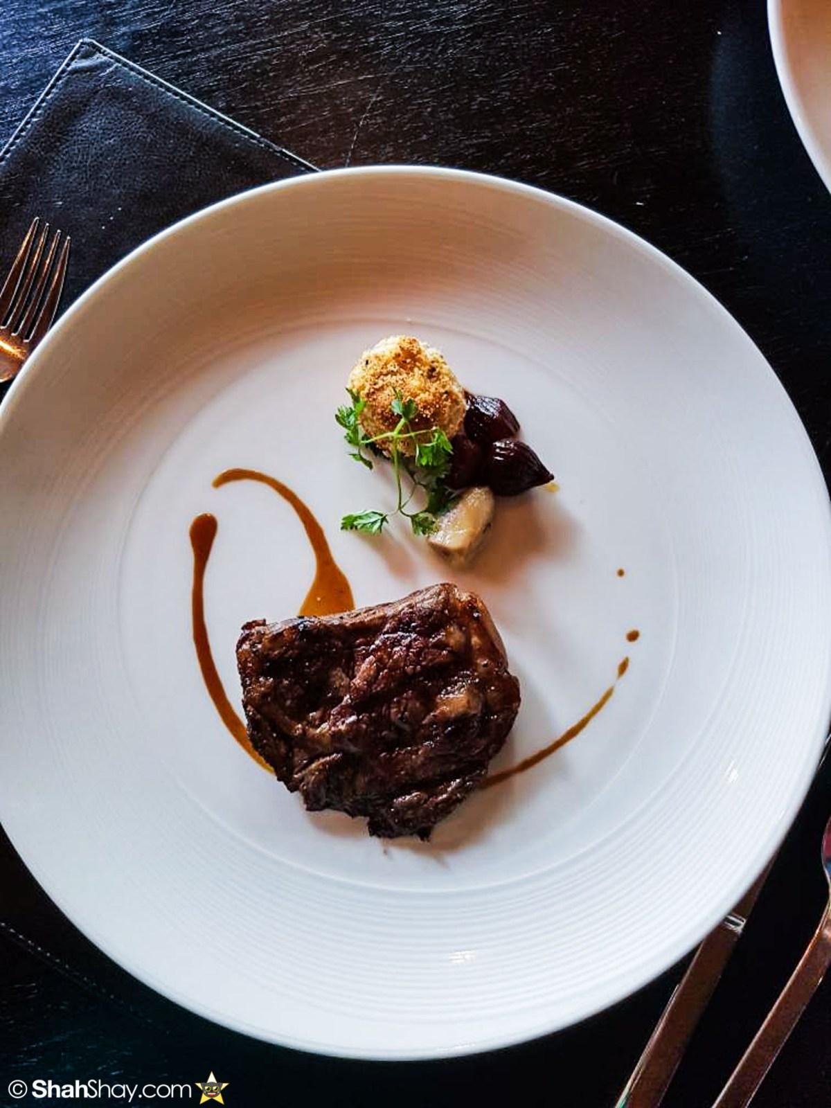 Sunday Brunch Bangkok - Fabulous Brunch Buffet Spread at The District - Wagyu striploin steak