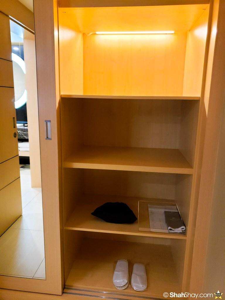 Renaissance Kuala Lumpur Executive Suite - closet spaces