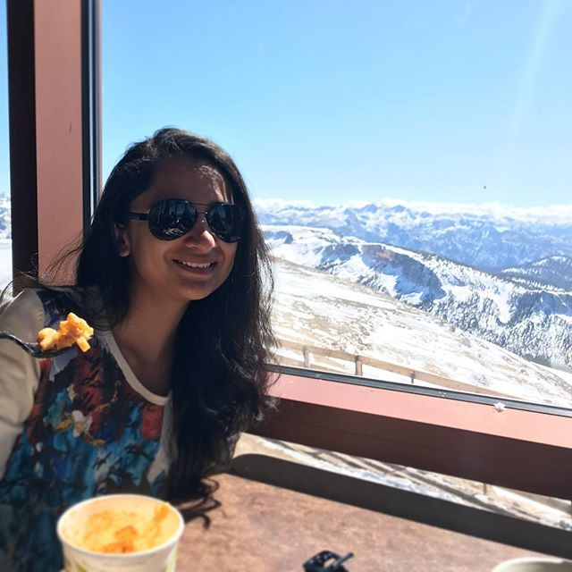 Meal with a view! #snow #mountains  #life #beautiful #travel #california #tbt #nofilter #spectaclesoflife