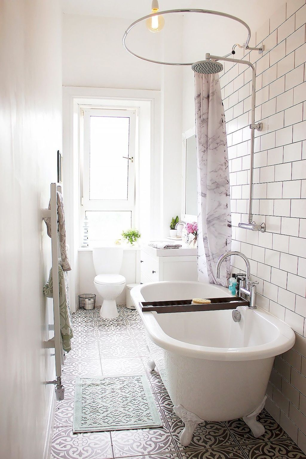 Tiles Ideas for Small Bathroom (90)