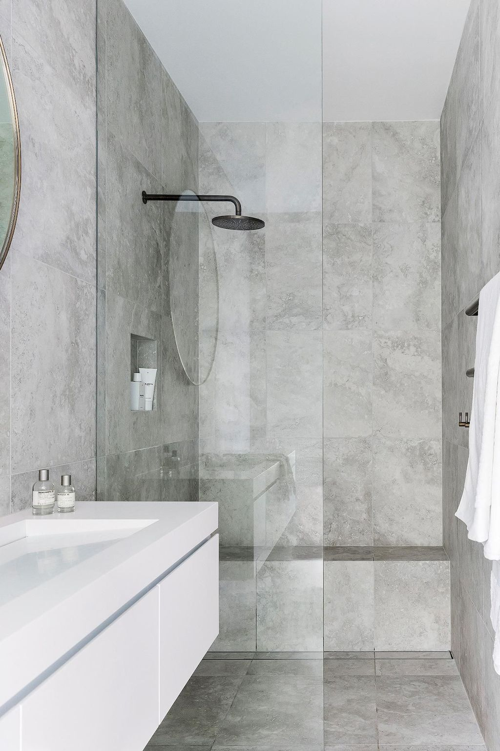 Tiles Ideas for Small Bathroom (95)