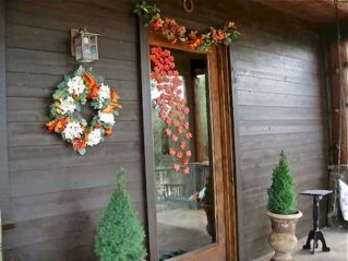 Fall Porch Décor Ideas in Cozy and Cool Style (14)