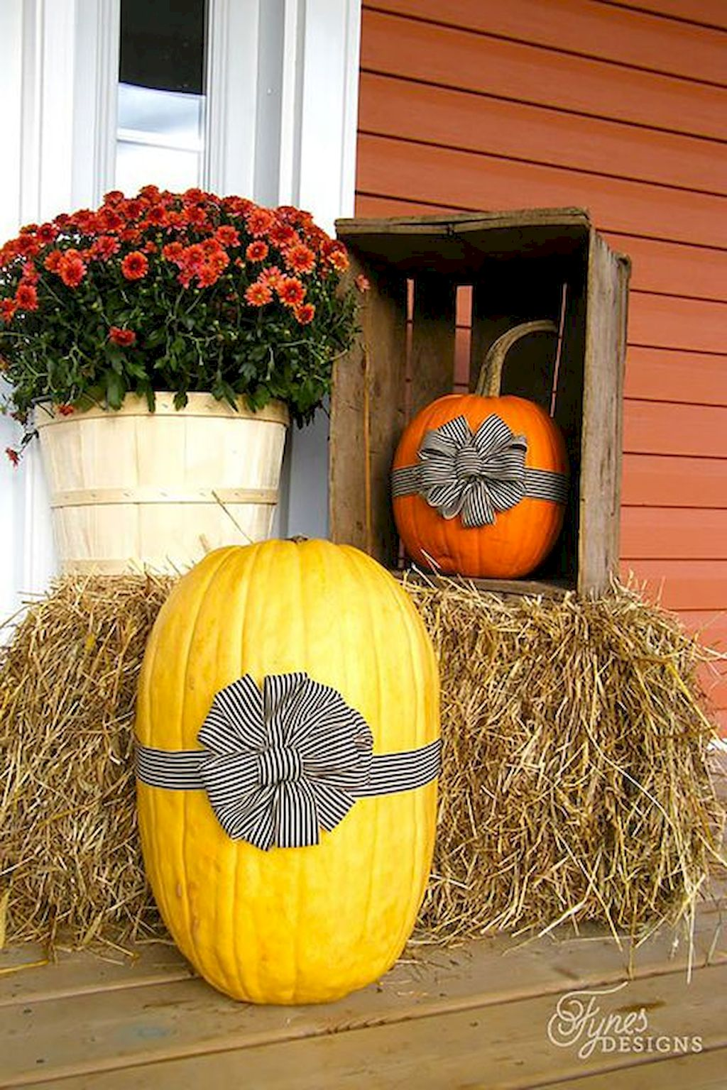 Fall Porch Décor Ideas in Cozy and Cool Style (18)