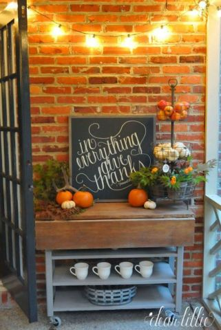 Fall Porch Décor Ideas in Cozy and Cool Style (33)