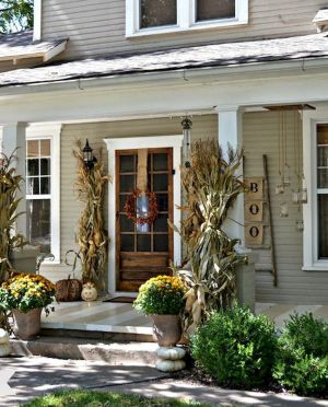 Fall Porch Décor Ideas in Cozy and Cool Style (42)