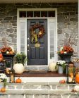 Fall Porch Décor Ideas in Cozy and Cool Style (6)