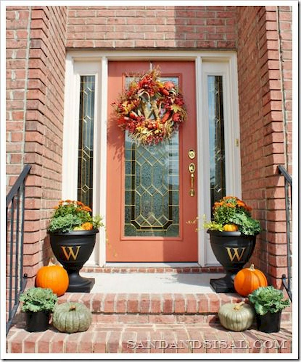 Fall Porch Décor Ideas in Cozy and Cool Style (7)