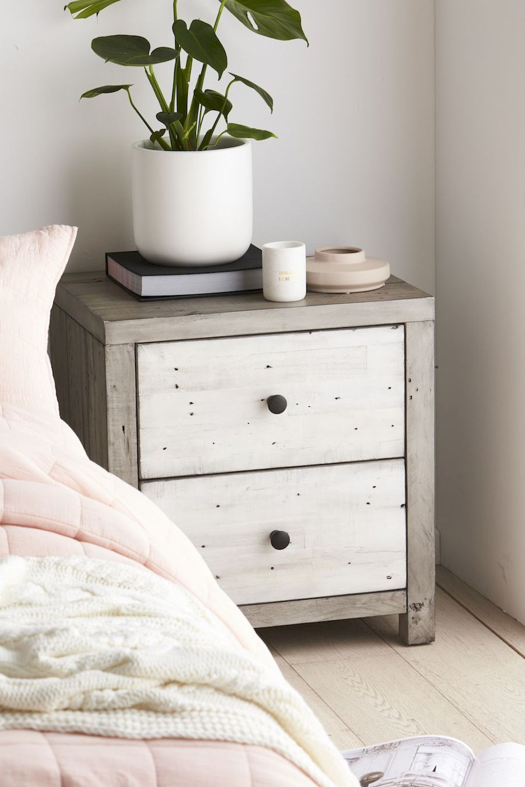 Awesome Bedroom Furniture Ideas For Simple Modern Bedroom Designs Part 4
