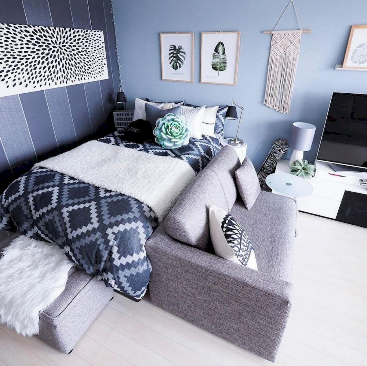 Awesome Small Bedroom Decorating Ideas On A Budget (13)