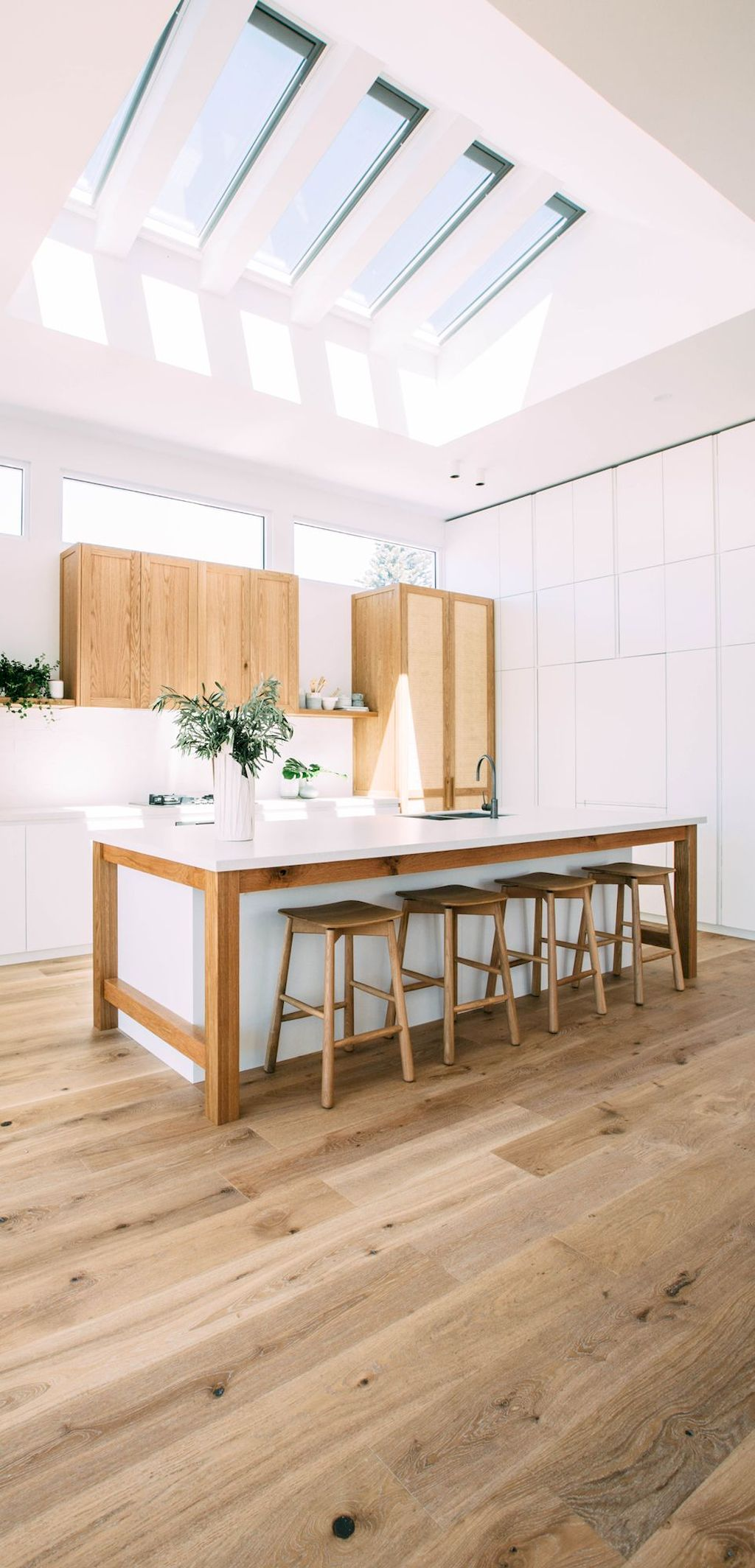 Inspiring Wooden Floor Ideas with Light Wood Tone Part 19