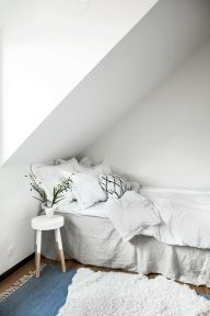 On Budget Single Bedroom Designs with Ultra Comfort and Lively Vibes Part 33