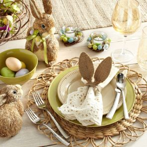 Charming Easter centerpieces and springy table decor ideas to get your Easter party hopping Part 9
