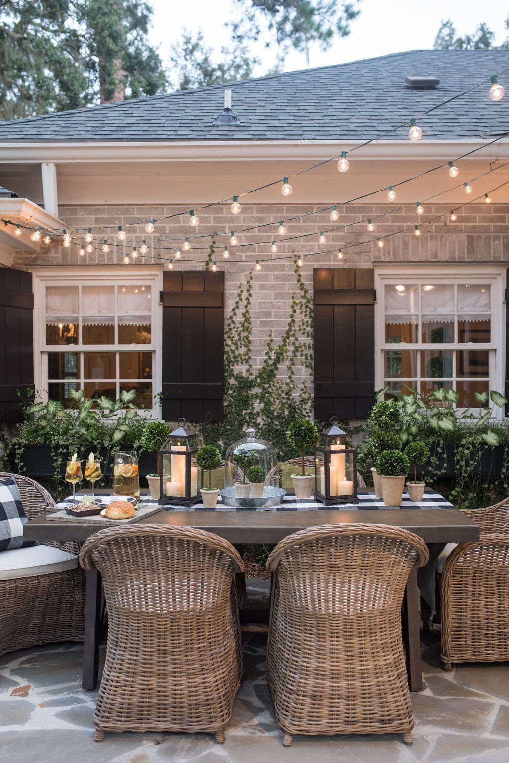 Creative adjustments that will enhance the coziness of the outdoor living space Part 31