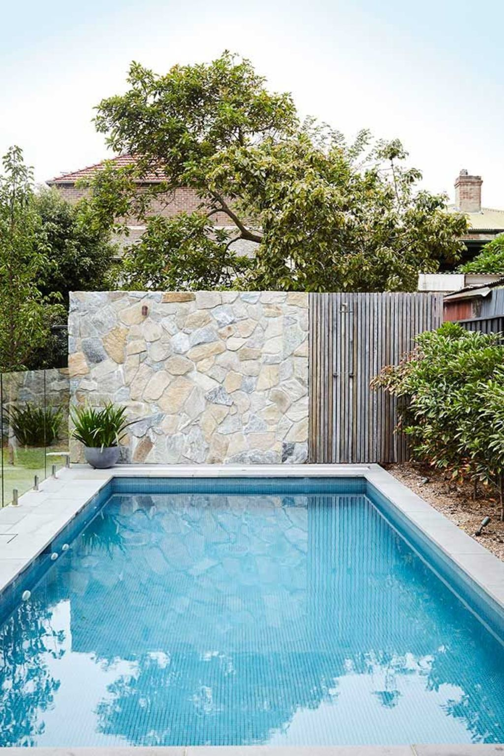 Inground tiny swimming pool in a small backyard that pick the best shape Part 10