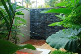 Outdoor showers and bath perfect for beach homes cabins and tropical climates Part 12
