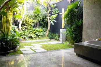 Outdoor showers and bath perfect for beach homes cabins and tropical climates Part 9