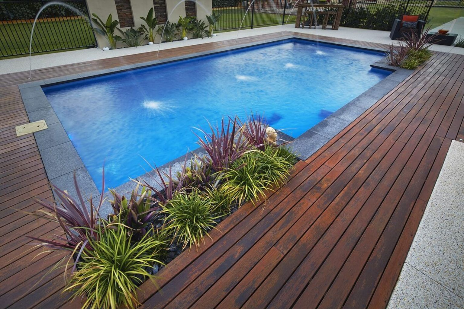 Small swimming pools made for small spaces and tight budgets Part 25