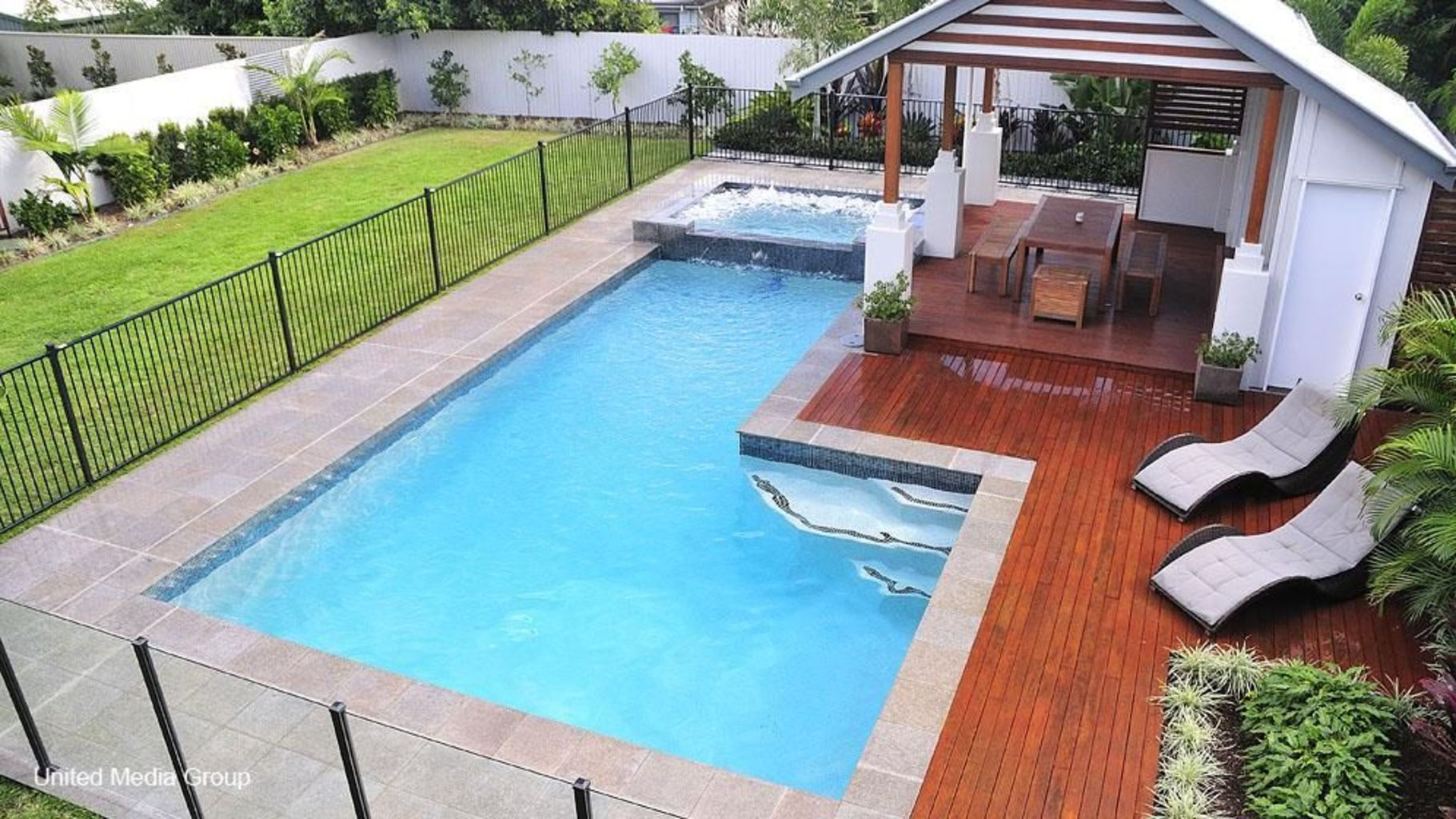 Small swimming pools made for small spaces and tight budgets Part 27