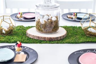 Spring tablesetting ideas with flowers live plants and decoartive eggs best for celebrating the Easter Part 35