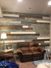 Clever rustic touch exploiting wood pallets wall accent that enhances contemporary home update and also effective in twisting decoration style Image 26