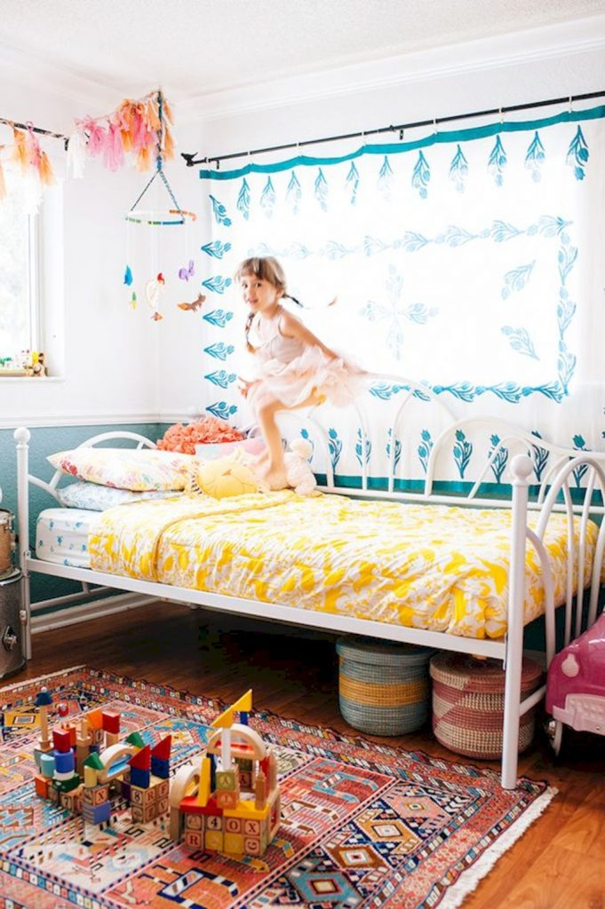 Cozy chic kids bedrooms with a modern touching style that are very lovely with pastel color accent and beautiful decoration Image 9
