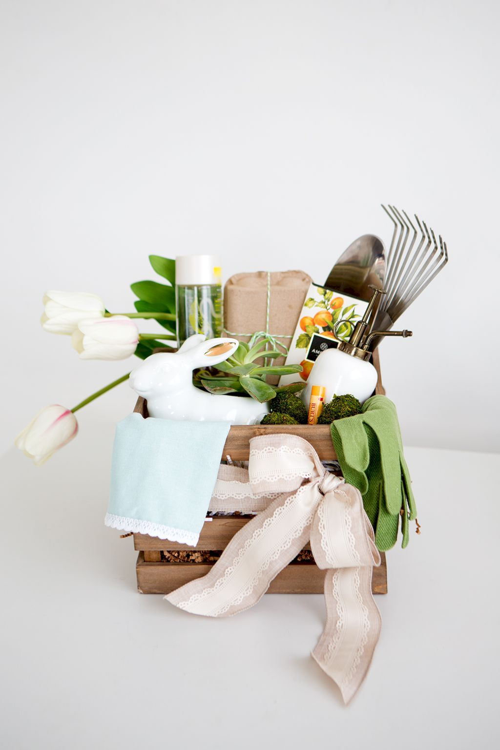 DIY Easter basket ideas made from affordable and recycled materials very charming as Spring celebration accessories Image 19