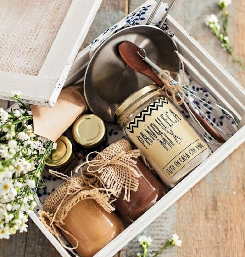 DIY Easter basket ideas made from affordable and recycled materials very charming as Spring celebration accessories Image 20