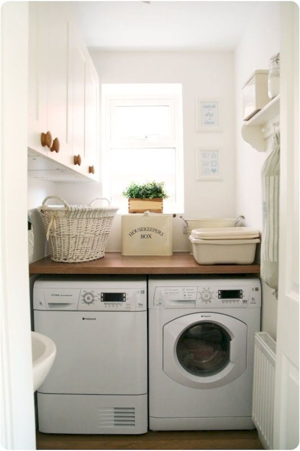 Easy tricks to make a Scandinavian style laundry room which will give a perfect refreshment in simple and sleek designs Image 16