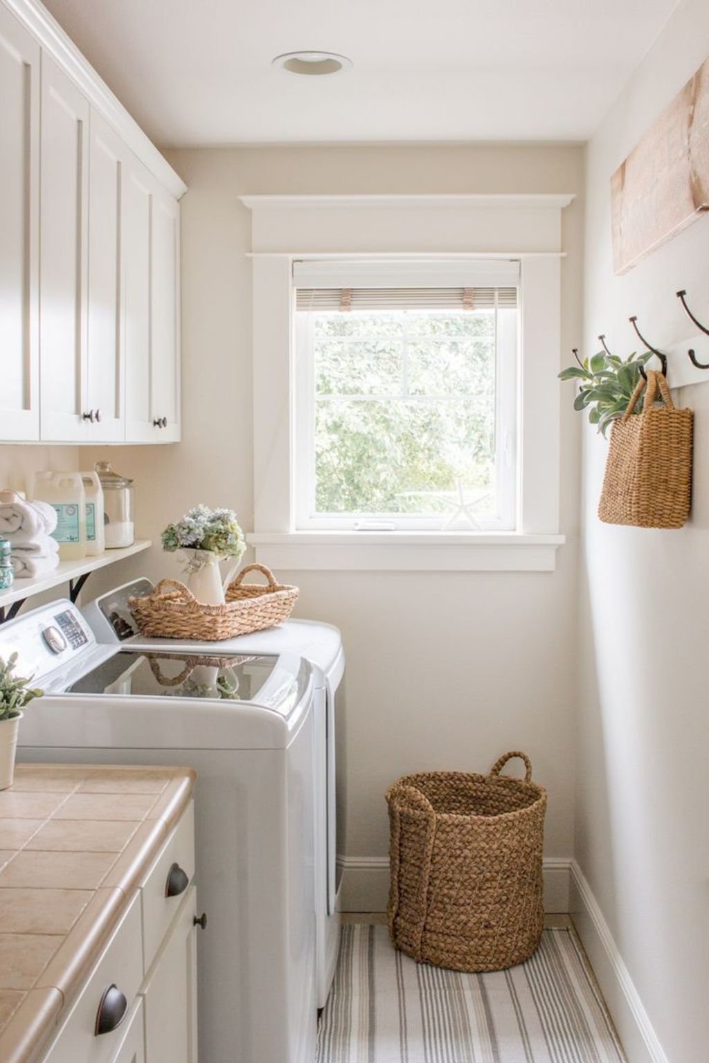 Easy tricks to make a Scandinavian style laundry room which will give a perfect refreshment in simple and sleek designs Image 3