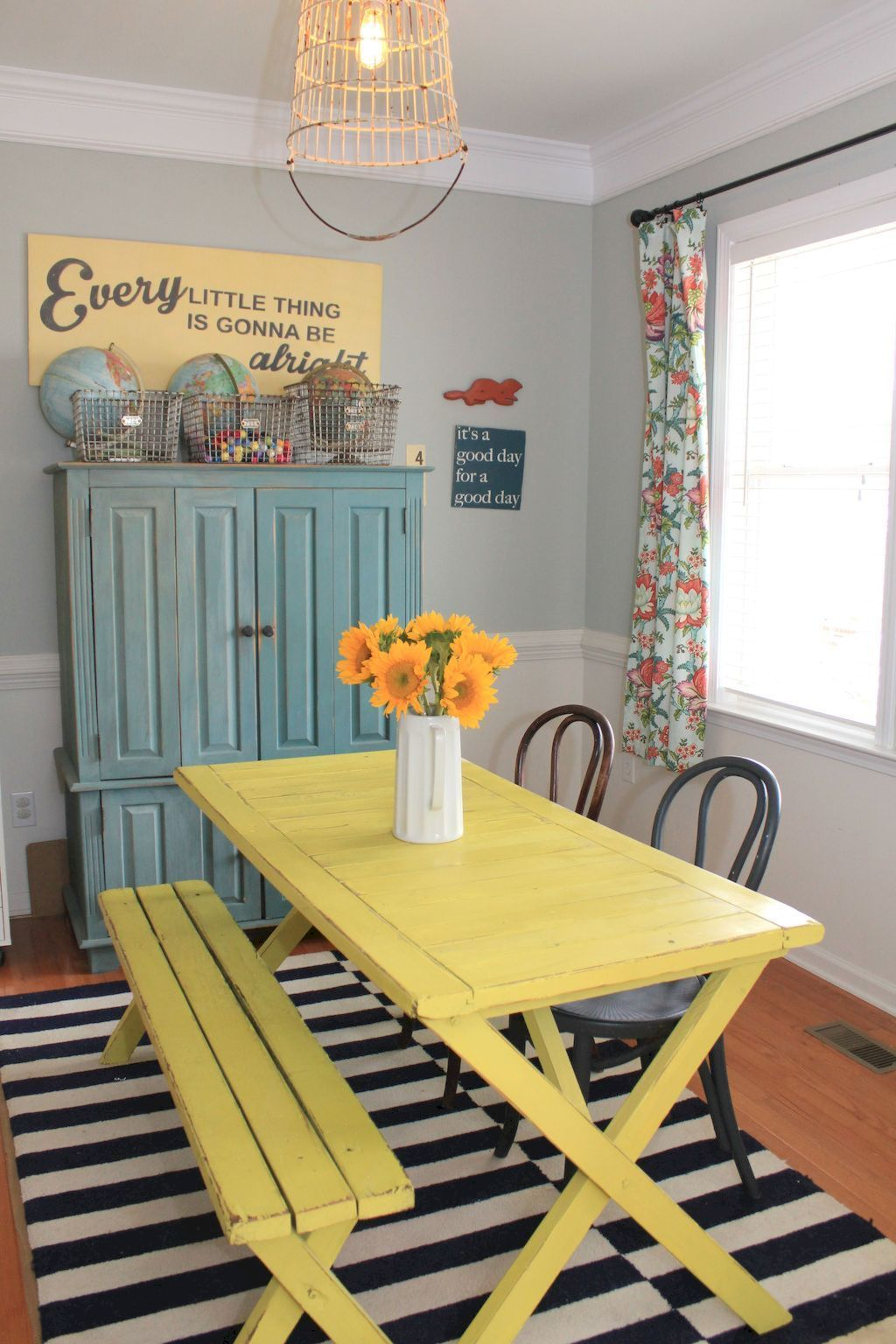 Eclectic home dining room inspired from beach home eating space rich of fresh vibes perfect for a recreational rooms update Image 22