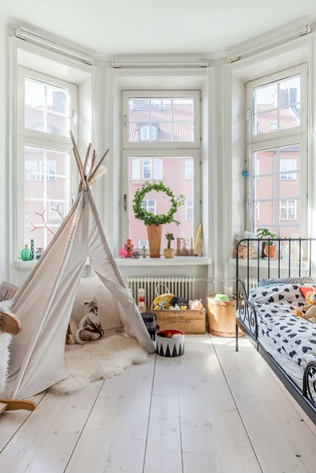 Fun and stylish play spaces for children looking best with modern and simple concepts that fit in any small space Image 14