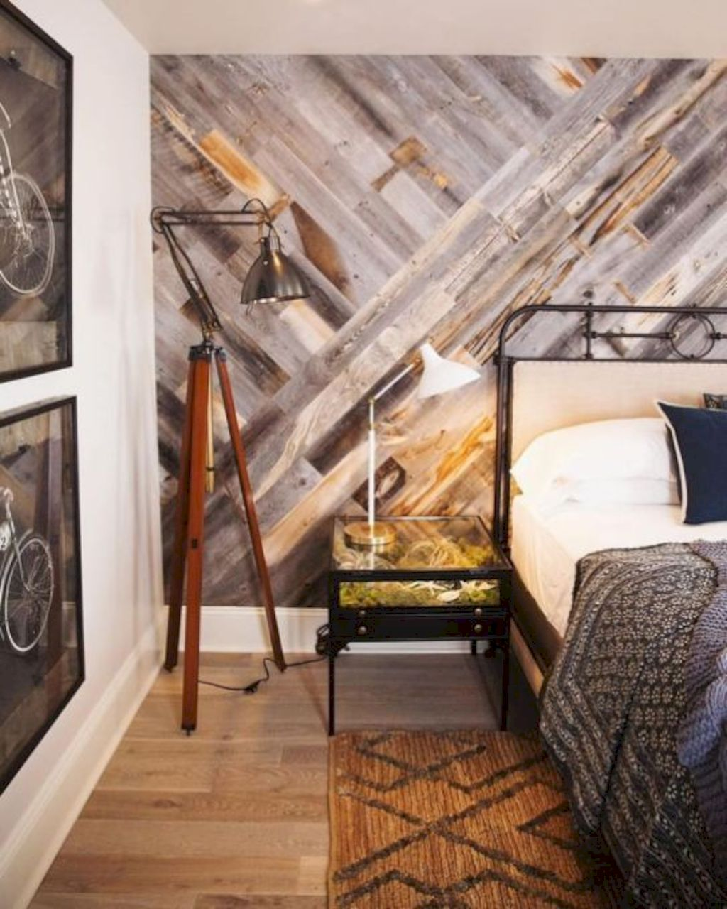 Smart interior upgrade showing wood pallets wall accent that looks amazing in a modern home which includes traditional and rustic element mixing Image 27