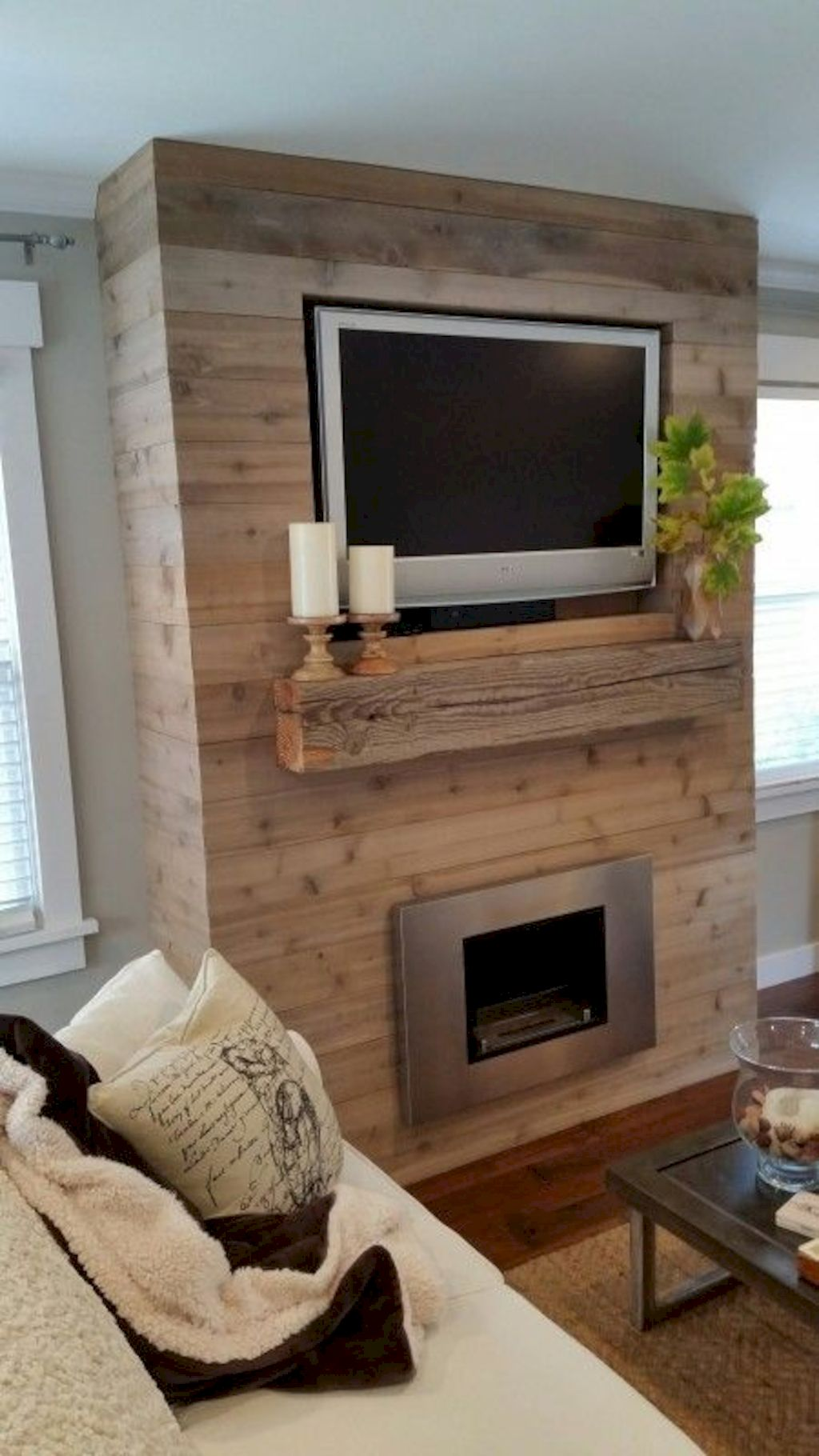 Smart interior upgrade showing wood pallets wall accent that looks amazing in a modern home which includes traditional and rustic element mixing Image 40
