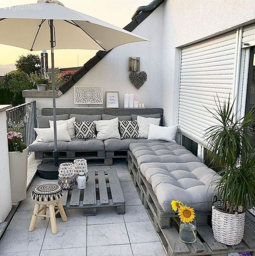 Brilliant apartment balcony ideas converted into cozy living space Image 14