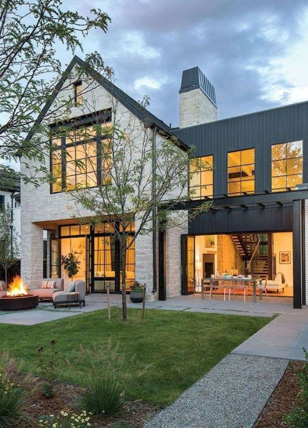 Countryside house with modern Farmhouse exterior design bringing up the traditional style in new classy look Image 19