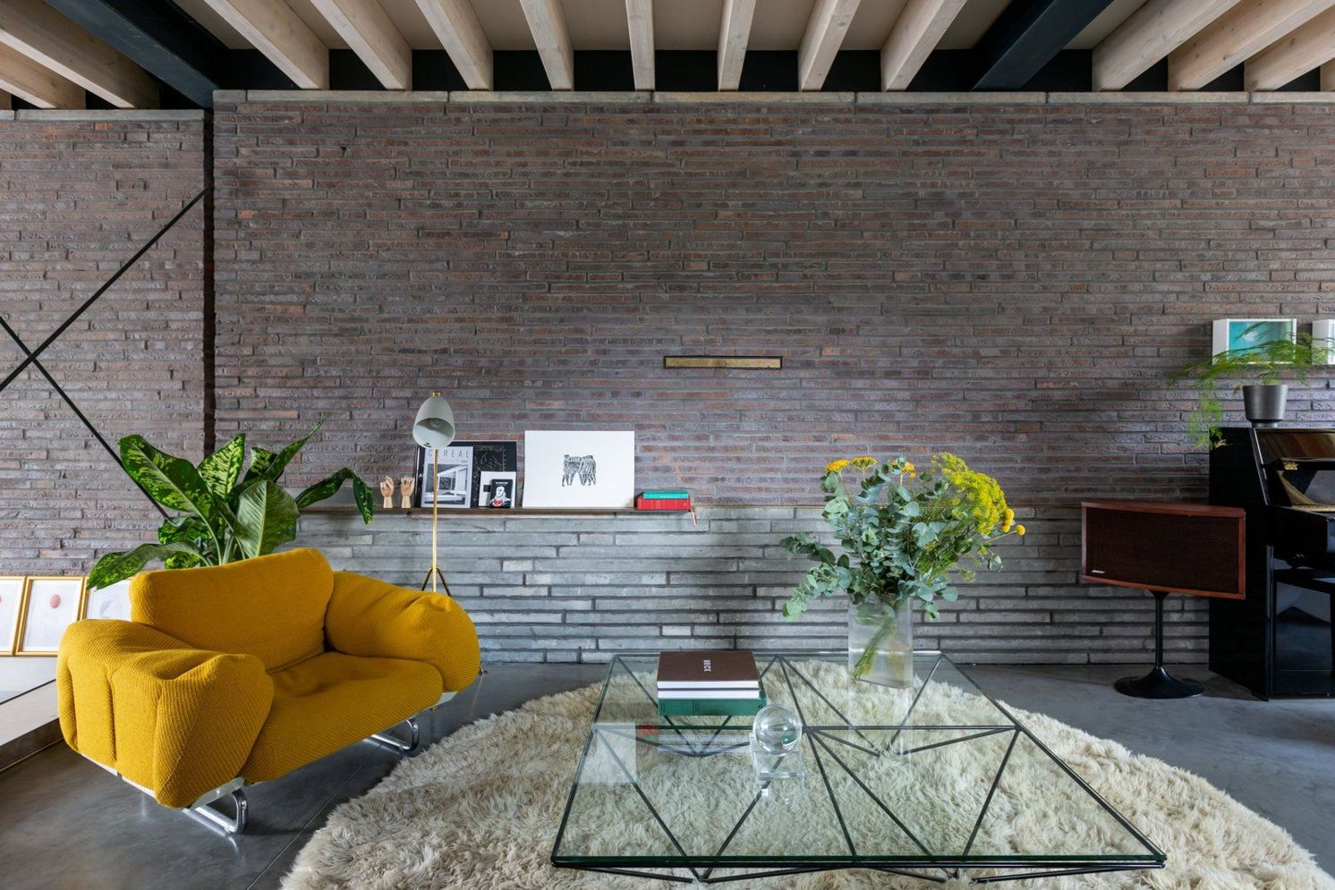Wonderful interior statement brick wall improving interior display with modern rustic combination Image 33