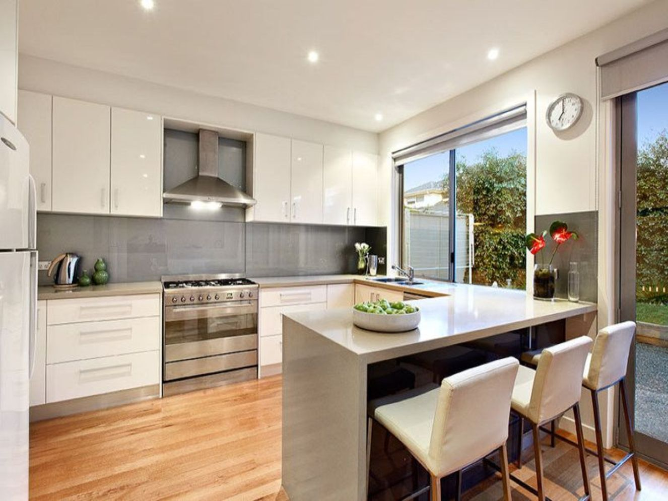 Classy kitchen styles in bold display maximizing concrete benchtop designs Image 16