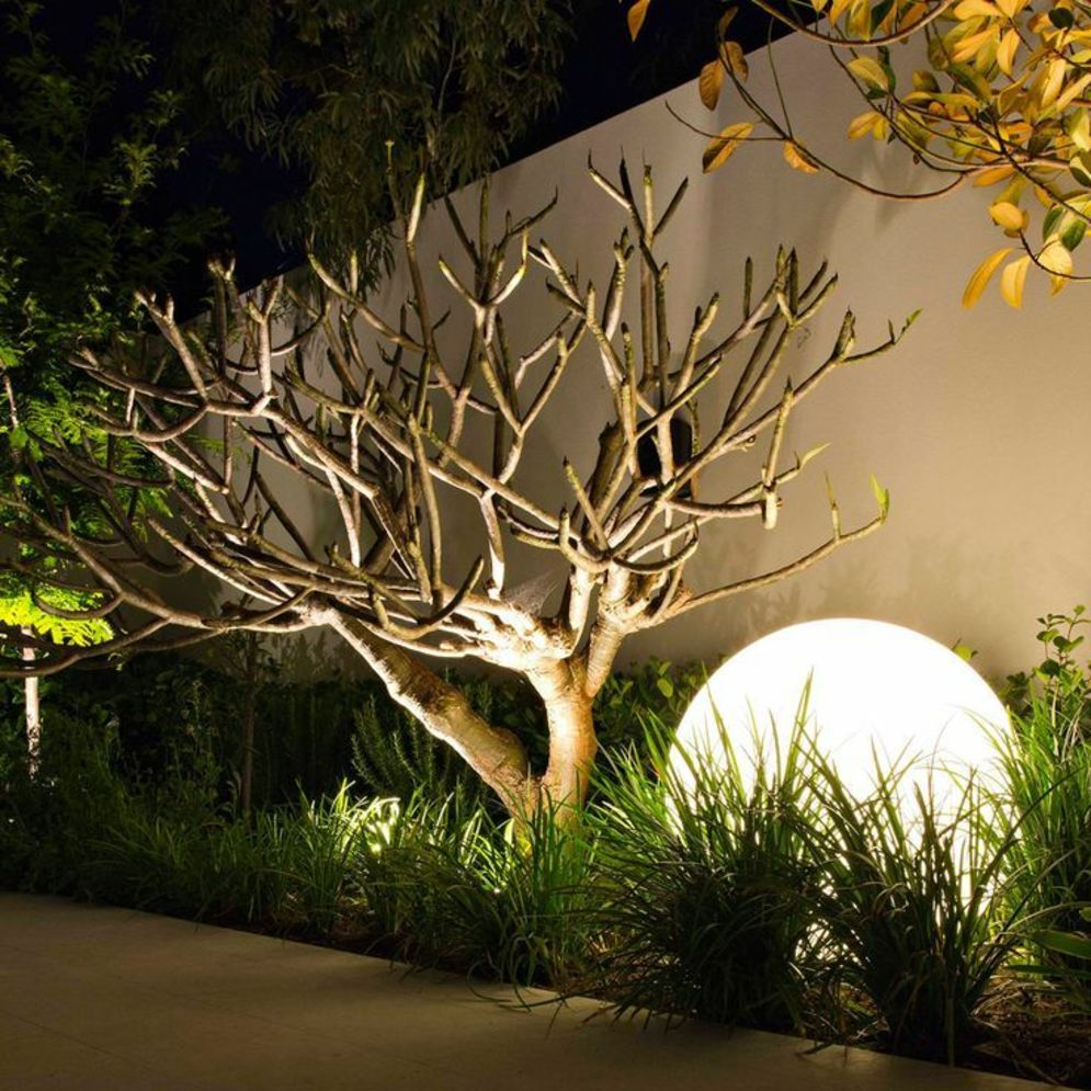 Lavish garden upgrade showing beautiful outdoor light schemes that liven up the landscape view Image 43