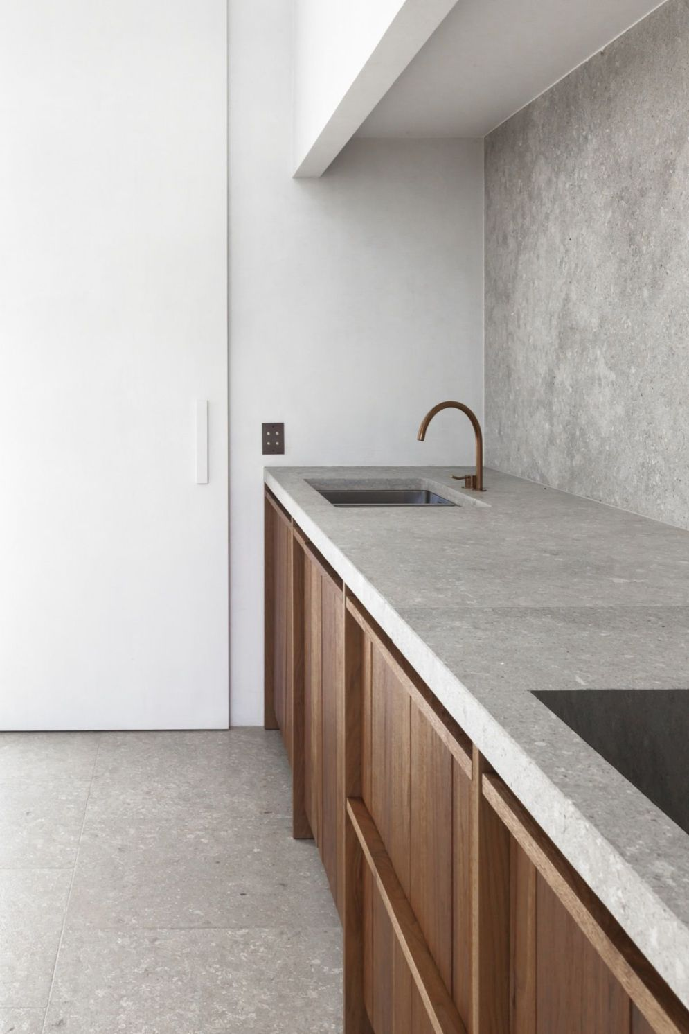 Modern kitchen updates using efficient concrete benchtops to show sturdier interior display Image 40