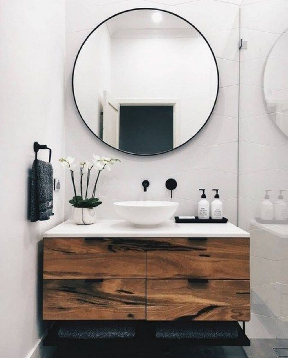 Timeless bathroom designs with wood accents enhancing more natural vibes Image 33