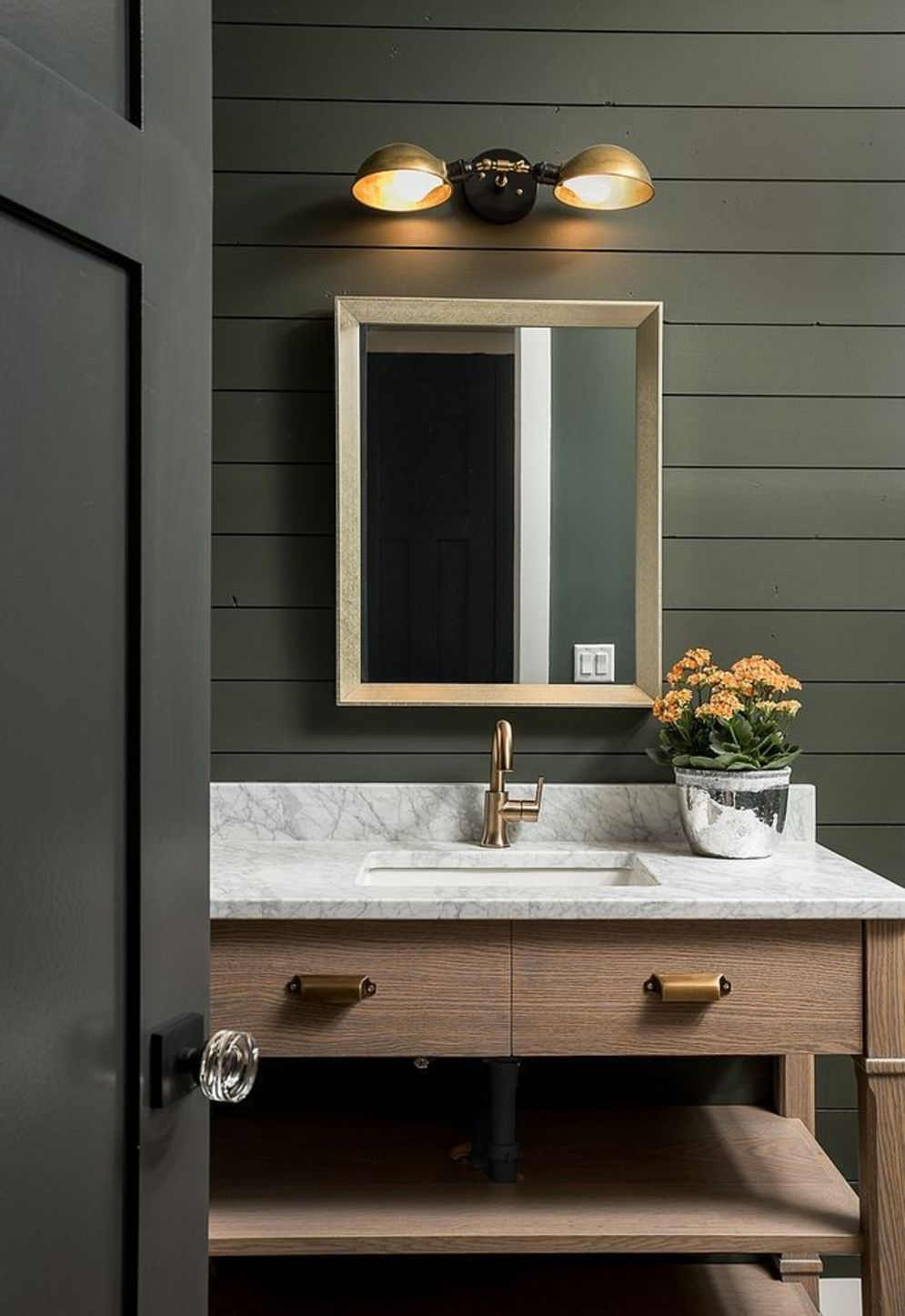 Timeless bathroom designs with wood accents enhancing more natural vibes Image 38
