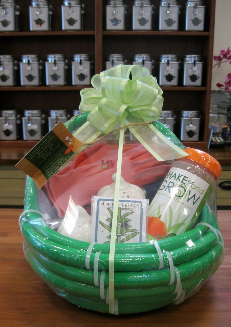 Garden Gift Basket Josaelcom Heirloom Garden Gift Basket ...