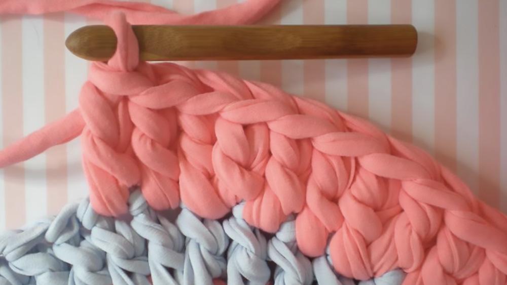 un tapis au crochet diy shake my blog