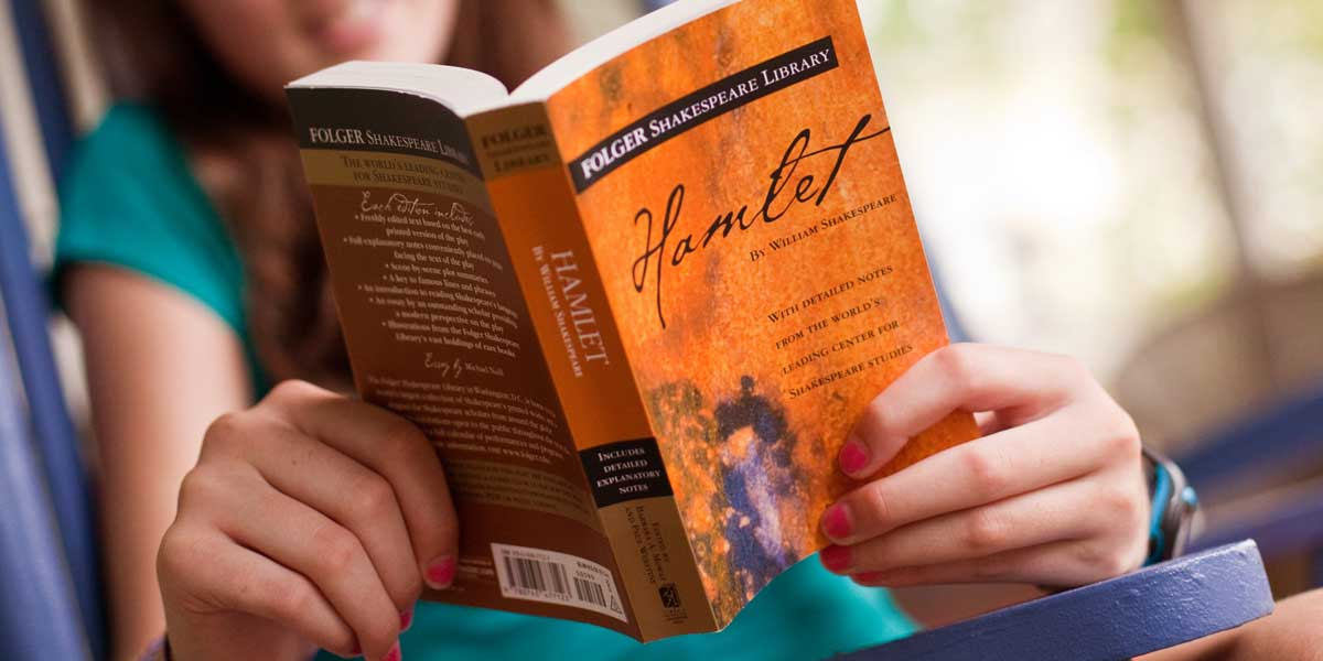Folger Edition of Hamlet. Photo by Chris Hartlove.