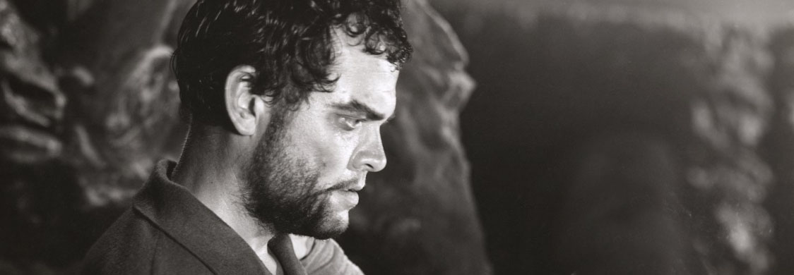 """Photo illustration of Orson Welles as Macbeth in """"Macbeth,"""" 1948. (Folger Shakespeare Library, Ball Collection 1671-122) Photo illustration of Orson Welles as Macbeth in Macbeth, 1948. (Folger Shakespeare Library, Ball Collection 1671-122)"""
