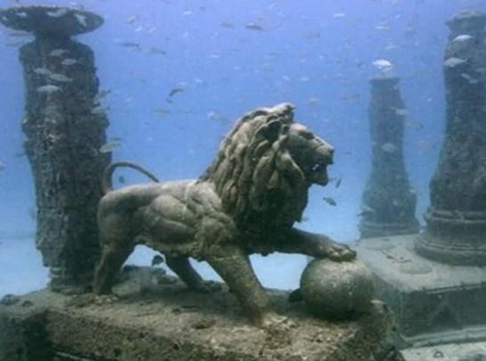 イメージ画像: 海底の獅子 :天地照応の哲学=天に見えるものは地に現れる。マクロな宇宙は海であり、あなたのミクロな細胞であり、想いでもある。縁があって前にいる人、仕事は、それまた、あなた自身である。