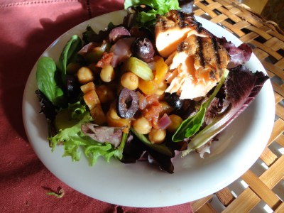 chickpea salmon aka warm salad on Shalavee.com